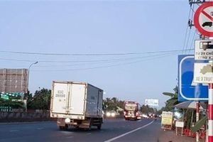 Cấm xe tải trọng nặng qua Cai Lậy: Phải đi đường BOT?