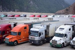 Hàng nông sản vẫn ùn ùn lên cửa khẩu, Bộ Công Thương ra công văn hỏa tốc