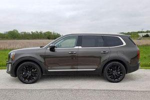 SUV Kia trang bị động cơ V6, giá gần 1,3 tỷ đồng