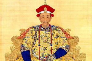 Khang Hi - Hoàng đế háo sắc bậc nhất lịch sử Trung Hoa
