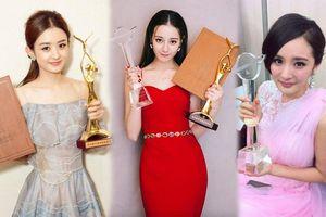 Fan Triệu Lệ Dĩnh và Dương Mịch cực khổ tranh giải Thị Hậu Kim Ưng cho idol nhưng vẫn đấu không lại Địch Lệ Nhiệt Ba