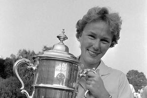 Huyền thoại sống trong làng golf Mickey Wright qua đời ở tuổi 85