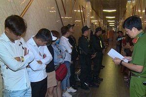 Đồng Nai: Khởi tố quản lý quán karaoke mua má túy cho khách sử dụng