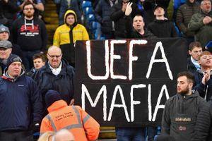 CĐV Man City chửi bới UEFA sau án phạt của đội nhà
