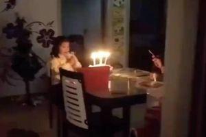 Bác sĩ nghẹn ngào hát mừng sinh nhật con gái từ xa, không dám ôm con