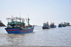 Nghệ An: Một thuyền viên đánh cá bị mất tích trên biển