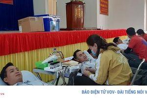 Hàng trăm người Kon Tum hiến máu giữa mùa dịch Covid-19