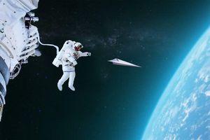 Phóng máy bay giấy từ Trạm Vũ trụ Quốc tế