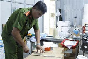 Cơ sở sản xuất chui 25.000 khẩu trang mỗi ngày tại Bình Dương