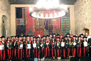 Lần đầu tiên Bác sĩ y khoa Việt Nam nhận bằng tốt nghiệp tại Đức