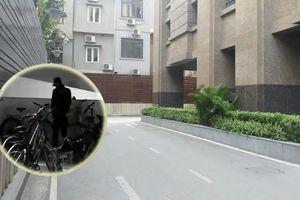 Phẫn nộ cảnh bảo vệ chung cư cao cấp tè bậy dưới tầng hầm