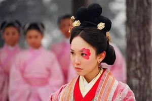 Bà Hoàng Trung Hoa dù xấu 'ma chê quỷ hờn' nhưng vẫn là bậc mẫu nghi thiên hạ, được bậc đế vương độc sủng