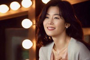 'Ngỡ ngàng' nhan sắc 'không tuổi' của 'cô nàng ngổ ngáo' Jun Ji Hyun