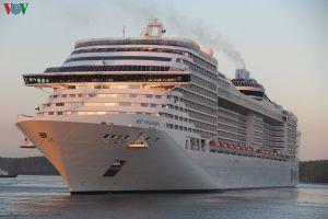 Tàu du lịch Panama chở gần 2.300 khách quốc tế cập cảng Vũng Tàu