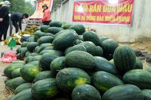 Người dân Hà Nội vào cuộc 'giải cứu' nông sản