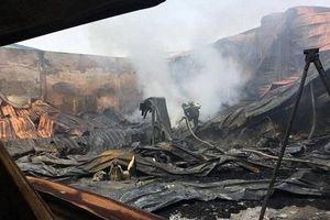Hải Dương: Cháy lớn tại 2 công ty sản xuất túi nilon