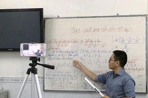 TP.HCM tổ chức cho học sinh ôn tập trên truyền hình