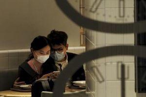 Virus corona khiến người Hong Kong bỏ thói quen ăn ngoài