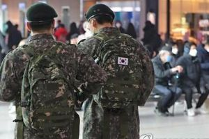 11 binh sĩ Hàn Quốc nhiễm SARS-CoV-2, 7.700 người phải cách ly