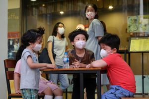 Người Hàn Quốc ở Phú Mỹ Hưng hủy kế hoạch về quê thăm gia đình