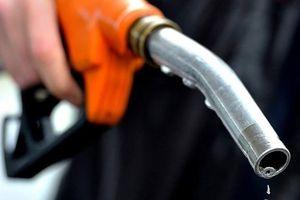 Hai doanh nghiệp bị phạt trên 1,3 tỷ đồng vì bán xăng không đạt chuẩn