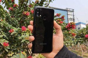 Trên tay smartphone Samsung pin 6.000 mAh, 4 camera sau, RAM 6 GB, giá gần 5 triệu