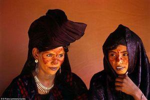 Bộ lạc kỳ lạ: Phụ nữ thoải mái chọn bạn tình