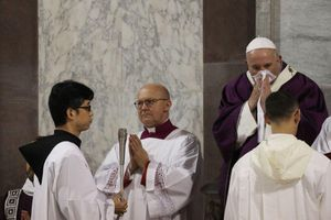 Giáo hoàng 'ốm nhẹ' ngày thứ hai, hủy toàn bộ lịch trình làm việc