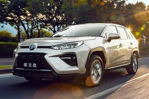 Chi tiết Toyota Wildlander 2020 giá mềm, 'đối thủ' Honda CR-V