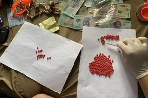 Gần 100 cảnh sát truy bắt đối tượng buôn bán ma túy, tàng trữ vũ khí nóng