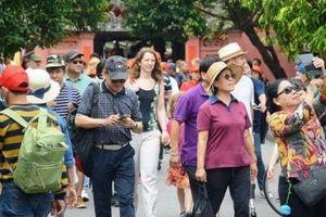 Du khách quốc tế yên tâm khám phá Hà Nội