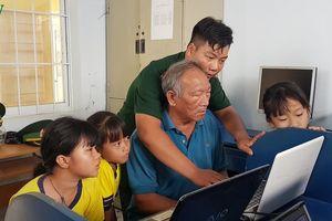 Lớp học đặc biệt nơi đảo xa của các chiến sỹ biên phòng TP HCM