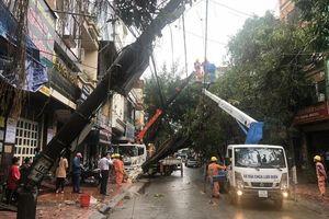 Lưới điện miền Bắc thiệt hại nặng do mưa đá, giông lốc
