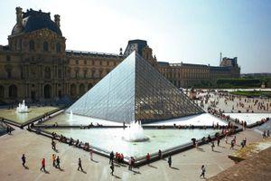 Paris đóng cửa bảo tàng Louvre nhằm ngăn chặn dịch Covid-19