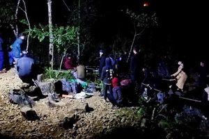Tìm kiếm nam thanh niên rơi xuống hố sâu 250m, phát hiện thêm xác phụ nữ