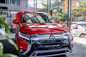 Loạt xe Mitsubishi giảm giá mạnh cả trăm triệu đồng