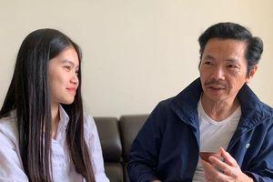 Bố Sơn trong phim 'Về nhà đi con'... kén rể cho 'bình rượu mơ'