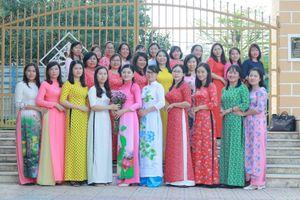 Khánh Hòa: Giáo viên hưởng ứng sự kiện 'Áo dài di sản văn hóa Việt Nam'