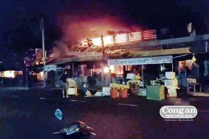 Hỏa hoạn thiêu rụi chợ Thanh Quýt, thiệt hại nhiều tỷ đồng