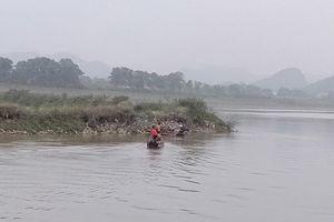 Đi đánh cá trên sông, 2 vợ chồng đuối nước thương tâm
