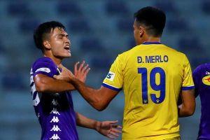 Sao U23 Việt Nam tức giận vì 2 lần không thể cản Đỗ Merlo