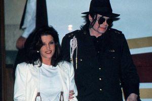 Góc khuất trong đời sống tình dục của Michael Jackson