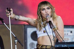 Tạm biệt hình tượng 'bánh bèo' thời Younger Now, Miley Cyrus sẽ hát nhạc rock trong album mới