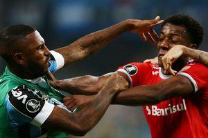 8 thẻ đỏ xuất hiện trong trận cầu bạo lực ở Copa Libertadores