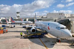 Phi công ở Mỹ nhiễm Covid-19, hãng hàng không giữ kín thông tin