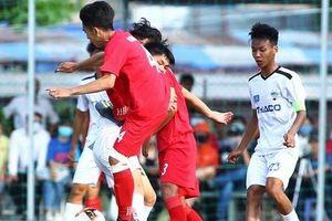 Cầu thủ HAGL suýt nhập viện vì 'đặc sản' của bóng đá Việt Nam