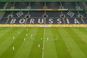 Vòng 26 Bundesliga vẫn diễn ra giữa 'cơn bão' Covid-19