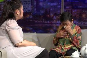 Hồng Vân xúc động trước cảnh người mẹ 70 tuổi vẫn phải bán xôi nuôi cả nhà