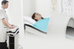 Hành trình 10 năm tìm lại giấc ngủ của người phụ nữ lắc cổ liên tục