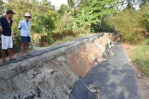 Nguyên nhân sụt lún nghiêm trọng tuyến đường Cơi 5 - Đá Bạc ở Cà Mau